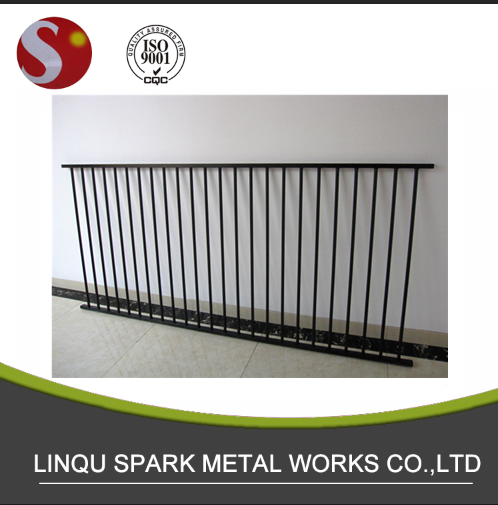 Aluminium portable swimming pool fence